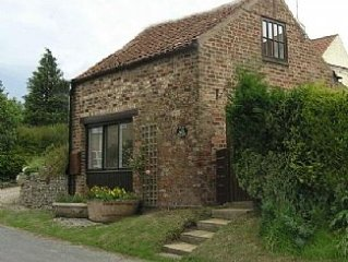 Peaceful & Cosy One Bedroom Cottage For Two People In Malton/Pickering Area