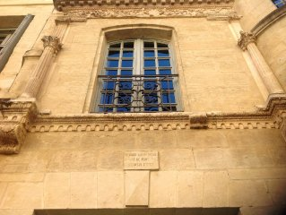 Monument Historique . Spacious. Well Furnished Apartment - Ancient Centre ,UZES