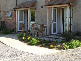 FAMILY FRIENDLY, PRIVATE AND SECURE. PEACEFUL. COUNTRY COTTAGE