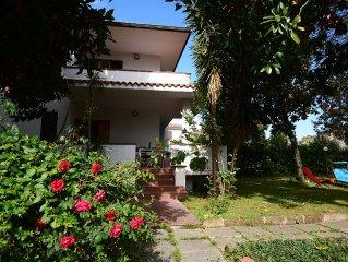Villa Esedra - ampio giardino alberato adatta per famiglie - 3 camere da letto