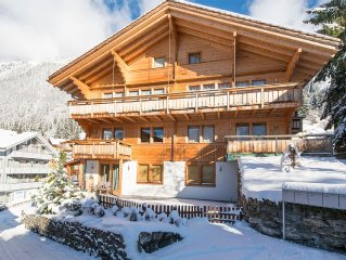 Stylish and Trendy ski-in, ski-out 2-bedroom apartment in Chalet Sole!