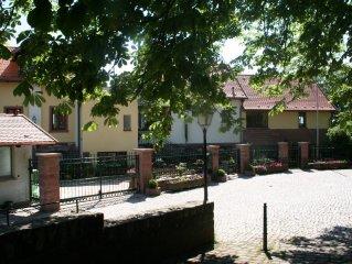 wunderschönes Haus auf der Burgmauer mit großer Terrasse und Kraichgaublick