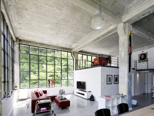 Loft 160 m2 in factory style in a Bauhaus - Monument