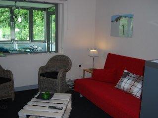 Großzügige Wohnung mit Terrasse (101 qm.)  stadtnah (10 Min S-Bahn) im Grünen