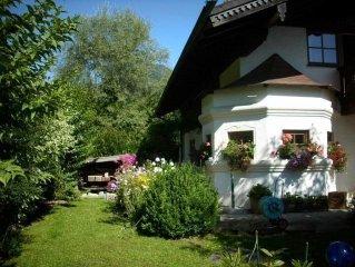 neu erbaute, komfortable Wohnung in sonniger ruhiger Lage am Ortsrand