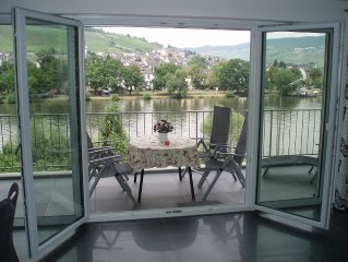 New super nice apartment with Mosel.- and Burgblick am Moselufer
