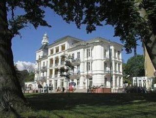 Seeschloss Heringsdorf mit Meerblick,exklusive Wohnung App.Nr.3 zum wohlfühlen, Ferienwohnung in Seebad Heringsdorf