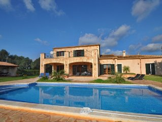 NEUTraumfinca with gr. Pool, Pure Nature + tranquility, beach-u. Close to the s