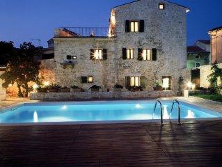 Luxuriose Villa befindet sich in Renaissance kleinstadt Svetvincenat .