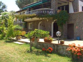 Villa-Ferienwohnung mit Privatpool , 10000 qm Garten, Meeresblick, Strandnahe