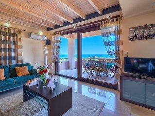 Hill Top Villa mit grandiosem Meerblick, Strandnaehe und zentral gelegen