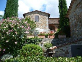 Haus im Haus in restauriertem Gehoft des Landguts Arceno 600qm Garten ,Pool.