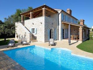Wunderschöne Villa mit Privatpool, Meeresblick, Garten mit Olivenbäumen