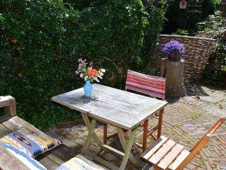 BERGEN: 'Het Atelier' - pretty little apartment in a beautiful location
