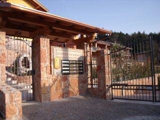 Privates Apartment mit komfortabler Ausstattung in neuer Residenz mit Pool