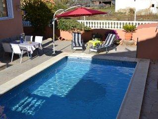 Casa Luna - Freistehendes Ferienhaus für 8 Personen mit eigenem Pool