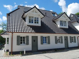 Chic ☆☆☆☆☆ - Living in the heart of Zingst - WiFi, fireplace, sauna, near the b