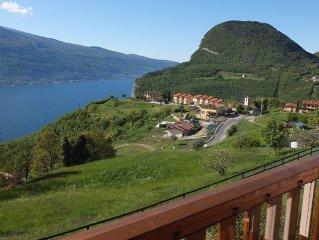 Gardasee -  Ferienwohnung mit Pool & herrlichem unverbautem Seeblick
