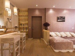 Designer Apartment mit privaten Lift mitten in der Altstadt/ La Lonja