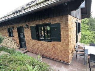Haus, freistehend, direkt am Waldrand, hochwertige Ausstattung,  mit Sauna, Wlan