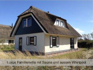 Luxus Villa mit FAMILIENSAUNA, AUssEN WHIRLPOOL,  Wi-Fi,  strandnahe (500 m)