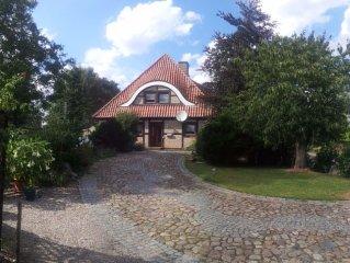 Mitten in Ostholstein liegt die 100 m² große Ferienwohnung für bis zu 8 Personen