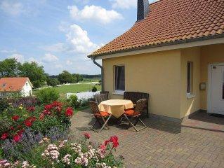 Familienfreundlich, 3 Terrassen im Blumengarten, Kaminofen, WLAN