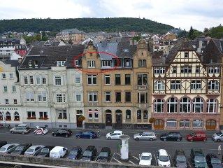 Urgemutliche Dachgeschosswohnung mit Rheinblick und historischem Flair
