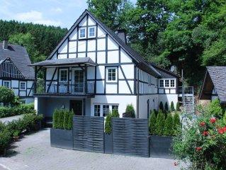 Komfort in absoluter Privatsphäre 4 DZ 4 Bäder, Kamin und Sauna mit Außenbereich