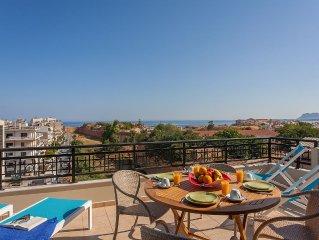 Top Floor Sea View Apartment