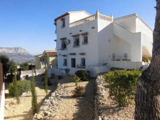 Villa with pool, terrace, garden for sole use. Mountain View & Ocean