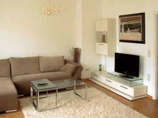 Zentrum Dusseldorf City - ruhige  Wohnung mit Balkon und Terrasse
