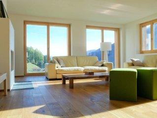 Large 4.5 room apartment, luxuriously furnished and cozy (www.AlpsRelax.ch)