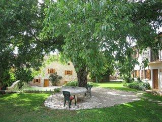 Historisches Landhaus mitten in Istriens Weinbergen