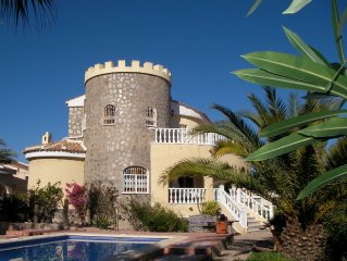 Exclusive villa with pool, near golf course, white beaches about 4-5 km