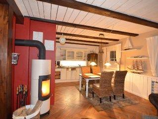 Exklusives Ferienhaus mit Kamin, grosser Terrasse und Garten