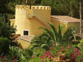 Villa Castillo Calma, frisch renoviert mit großem neuen Pool+toller Gartenanlage
