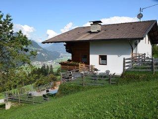Ferienhaus in ruhiger, sonniger Lage mit herrlichem Blick auf die Zillertalerber