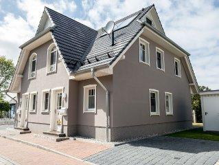 Sehr schones neues Luxus Ferienhaus in guter Lage mit Kamin WLAN alles inklusive