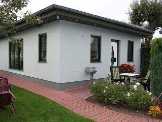 Komfortables, allergiefreundliches Ferienhaus, ruhig zentral gelegen, im Grunen