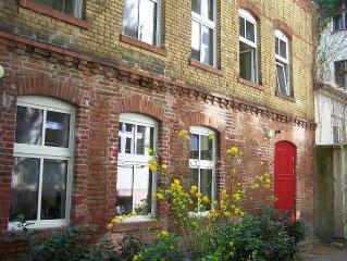 Wohnung uber 2 Stockwerke in Kreuzberger Remise