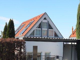 *Studio-Apartment an der Sonnhalde mit kl. Garten*Sehr gute Wohnlage in Freiburg
