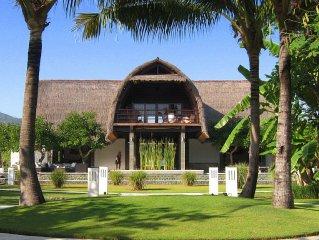 Unser Ferienhaus auf Bali, Villa Shanti, mit Schwimmbad direct am Strand Lovina