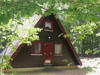 Idyllisches Ferienhaus im skandinavischen Stil, wenige Gehminuten vom Strandbad
