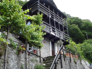 Romantisches Rustico liebevoll renoviert Sicht Berge und Stausee Hunde erlaubt