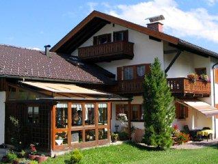 Liebevoll eingerichtete Wohnung mit Bergblick, ruhige Lage in Partenkirchen