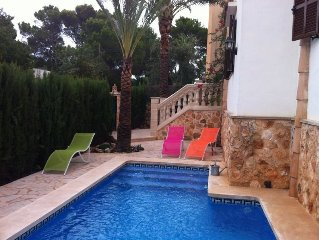 Holiday home on the beach, sleeps 6, heated pool, air conditioning