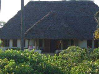Exkl. Strandvilla, 50 m vom Meer, Personal, 7000 m2 Garten, idyllische Badebucht