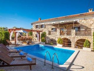 Villa Vita- Krk, altes Steinhaus mit Schwimmbad
