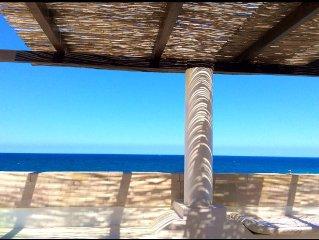 Exklusive und bezaubernde Dachterrassenwohnung nur 20 m vom Meer, 4 Personen